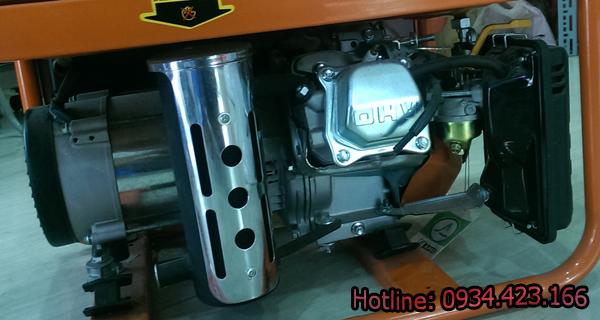 máy phát điện gia đình SD4500e  3