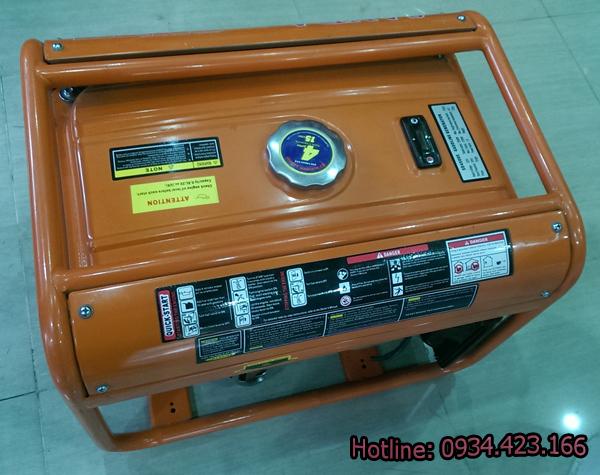 máy phát điện gia đình SD4500e  2