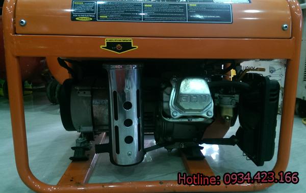 máy phát điện gia đình SD4500r  3